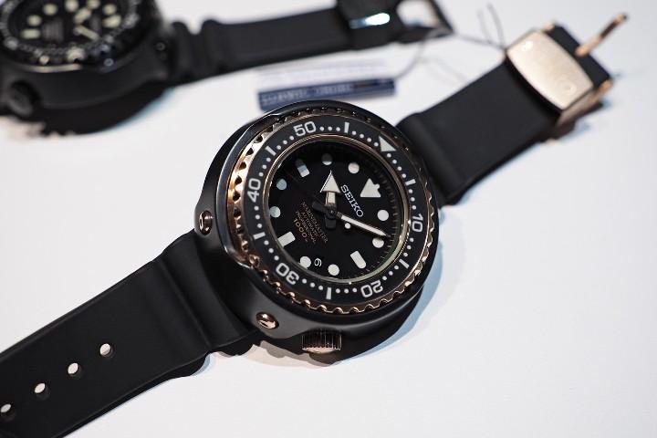 đồng hồ chống nước 200m
