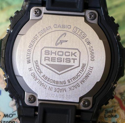 đồng hồ chống nước 20m